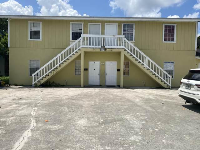 1609 W 28th Street A, Riviera Beach, FL 33404 (#RX-10734857) :: The Rizzuto Woodman Team