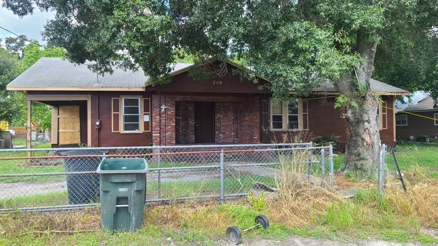 709 S 23rd Street, Fort Pierce, FL 34950 (#RX-10734970) :: Treasure Property Group