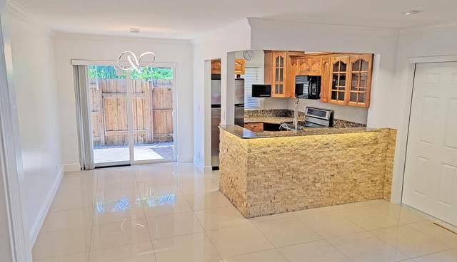 3200 NW 5th Terrace #29, Pompano Beach, FL 33064 (#RX-10735131) :: Ryan Jennings Group
