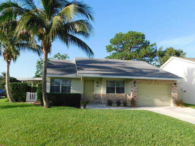 109 Stillwater Circle, Jupiter, FL 33458 (MLS #RX-10735397) :: The Jack Coden Group