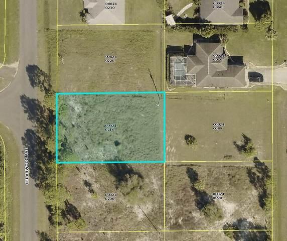 6561 Cedarwood Avenue, Fort Myers, FL 33905 (#RX-10735850) :: Signature International Real Estate