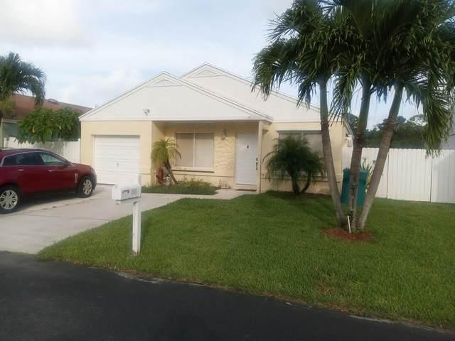 24 Hastings Lane, Boynton Beach, FL 33426 (#RX-10736059) :: Treasure Property Group
