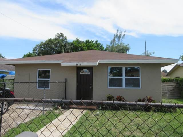 1679 W 16th Street, Riviera Beach, FL 33404 (#RX-10736793) :: The Reynolds Team   Compass