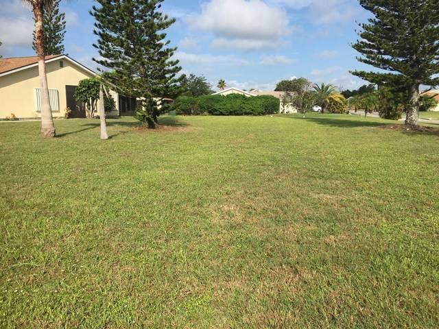 1450 SE Larkwood Circle, Port Saint Lucie, FL 34952 (#RX-10736933) :: Heather Towe | Keller Williams Jupiter