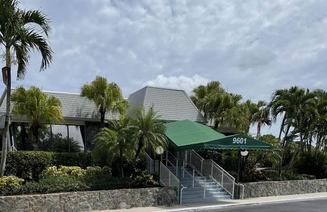 18081 SE Country Club Drive #103, Jupiter, FL 33469 (#RX-10737792) :: IvaniaHomes   Keller Williams Reserve Palm Beach