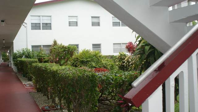 137 Kent I, West Palm Beach, FL 33417 (#RX-10738246) :: IvaniaHomes | Keller Williams Reserve Palm Beach