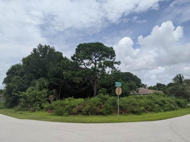 613 SW Sansom Lane, Port Saint Lucie, FL 34953 (#RX-10738601) :: Posh Properties