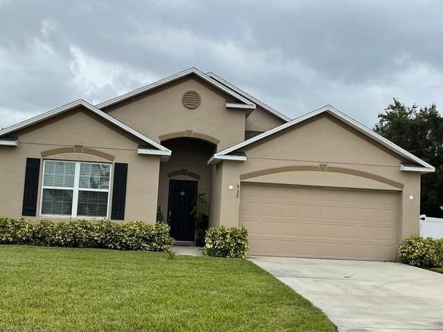 932 SW Mccomkle Avenue, Port Saint Lucie, FL 34953 (#RX-10740643) :: Michael Kaufman Real Estate