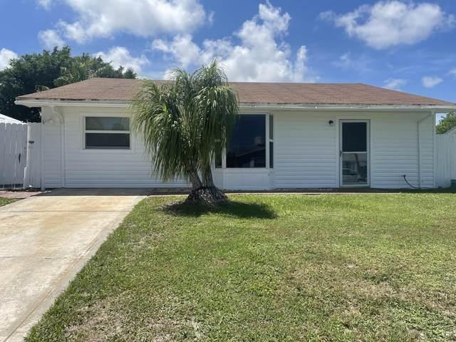 5492 SE Grafton Avenue, Stuart, FL 34997 (MLS #RX-10742268) :: Castelli Real Estate Services