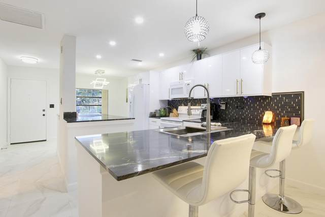 13233 Lucinda Palm Court B, Delray Beach, FL 33484 (#RX-10744535) :: Michael Kaufman Real Estate