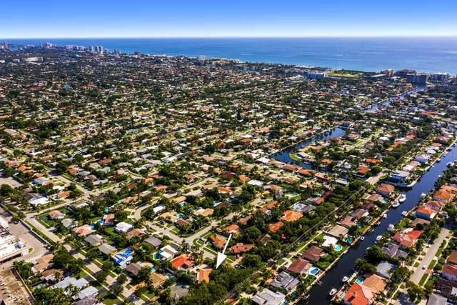 2221 NE 49 Street, Lighthouse Point, FL 33064 (MLS #RX-10745182) :: Castelli Real Estate Services