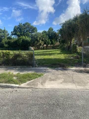 936 39th Street, West Palm Beach, FL 33407 (#RX-10745523) :: Heather Towe   Keller Williams Jupiter