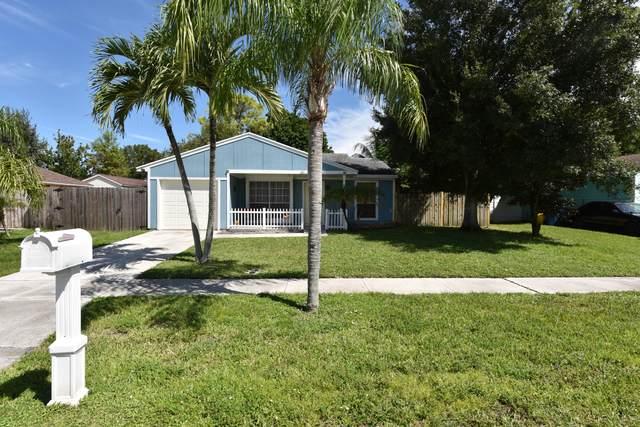 10613 Misty Lane, Royal Palm Beach, FL 33411 (#RX-10745651) :: Ryan Jennings Group