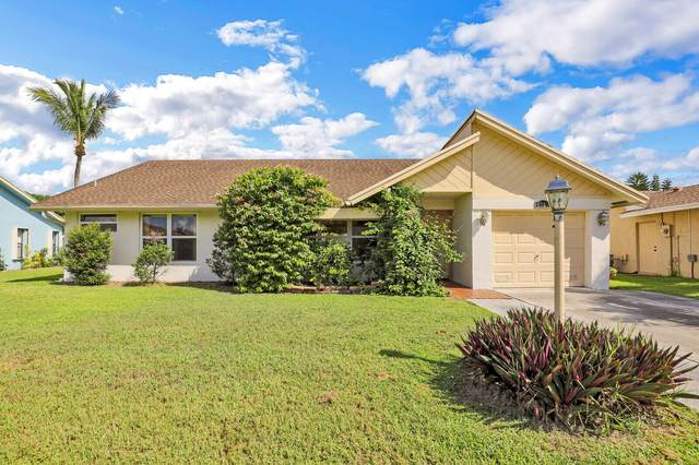 8327 Waccamaw Lane Lane E, Lake Worth, FL 33467 (#RX-10746050) :: Ryan Jennings Group
