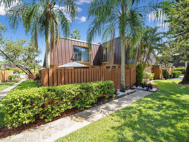 5804 SE Windsong Lane, Stuart, FL 34997 (#RX-10746141) :: Heather Towe | Keller Williams Jupiter