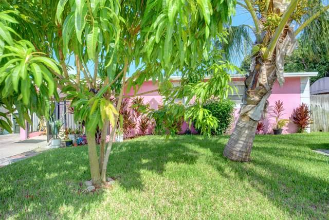 917 SW 11th Avenue, Delray Beach, FL 33444 (MLS #RX-10746366) :: Castelli Real Estate Services