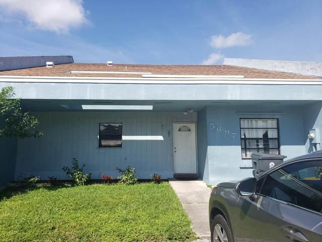 5697 Waltham Way, Lake Worth, FL 33463 (#RX-10746471) :: Dalton Wade