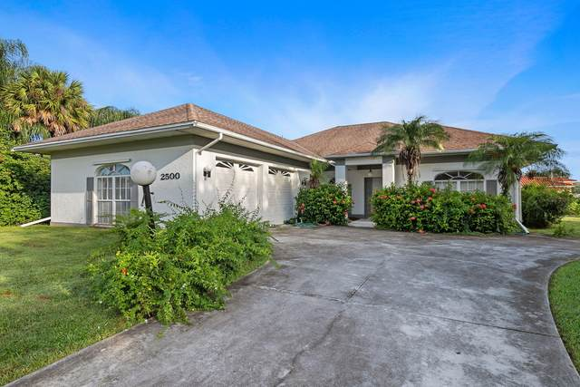 2500 Palm Lakes Drive Avenue, Fort Pierce, FL 34981 (MLS #RX-10747863) :: The DJ & Lindsey Team