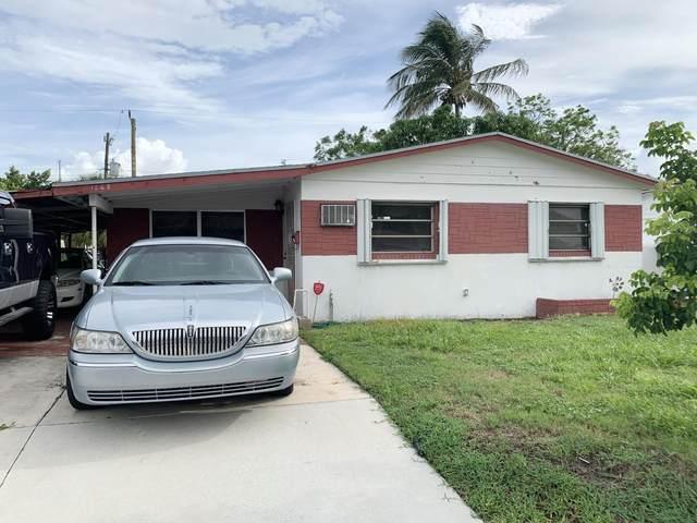1268 W 36th Street, Riviera Beach, FL 33404 (#RX-10747955) :: Michael Kaufman Real Estate
