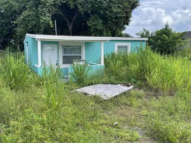 1418 N 16th N Street, Fort Pierce, FL 34950 (MLS #RX-10747982) :: The DJ & Lindsey Team