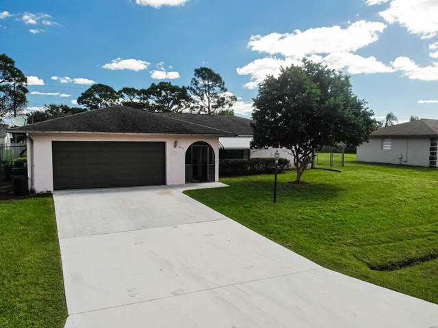 613 SE Clifton Lane, Port Saint Lucie, FL 34983 (MLS #RX-10748195) :: Dalton Wade Real Estate Group