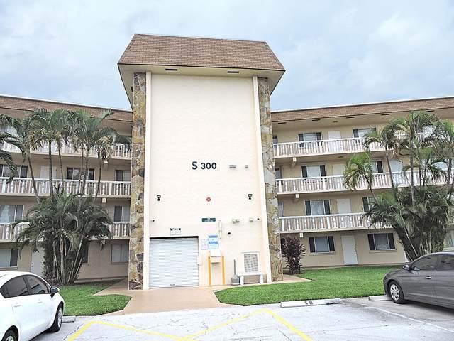 300 Village Green Circle S #320, Palm Springs, FL 33461 (#RX-10748569) :: IvaniaHomes   Keller Williams Reserve Palm Beach