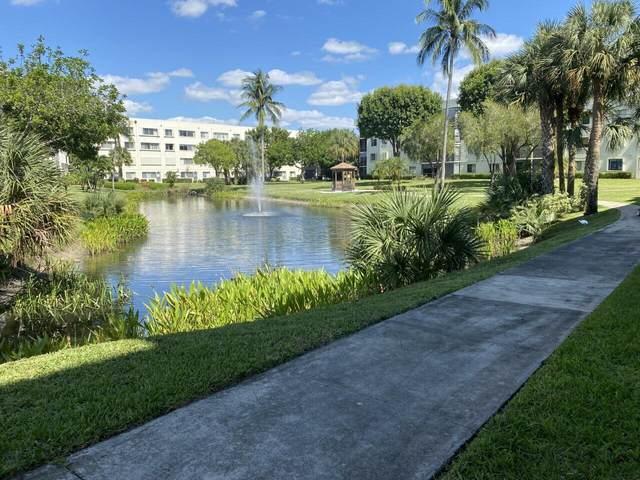 3138 Via Poinciana #102, Lake Worth, FL 33467 (#RX-10748608) :: IvaniaHomes | Keller Williams Reserve Palm Beach