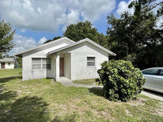 1203 N 37th Street, Fort Pierce, FL 34947 (MLS #RX-10748667) :: Castelli Real Estate Services