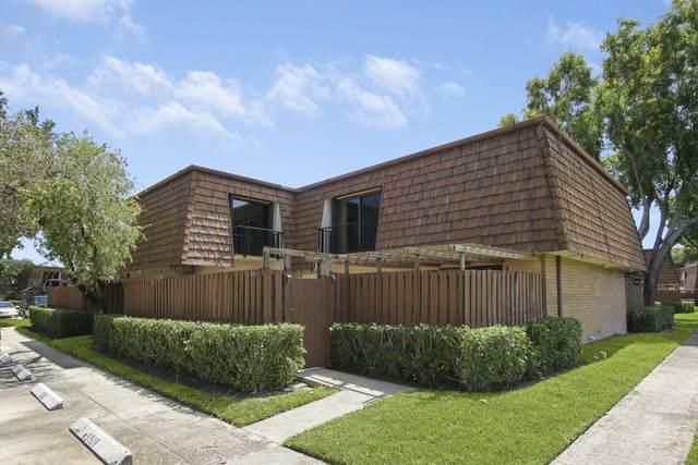 3011 30th Lane, Greenacres, FL 33463 (#RX-10749010) :: Michael Kaufman Real Estate