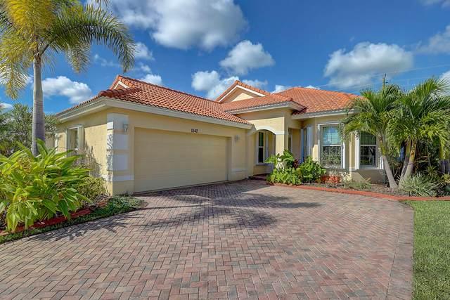 1842 NW Old Oak Terrace, Jensen Beach, FL 34957 (#RX-10749448) :: Michael Kaufman Real Estate