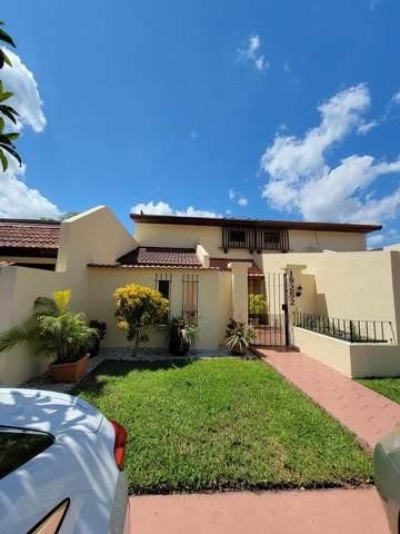 19252 NW 65th Court, Hialeah, FL 33015 (#RX-10749951) :: IvaniaHomes | Keller Williams Reserve Palm Beach