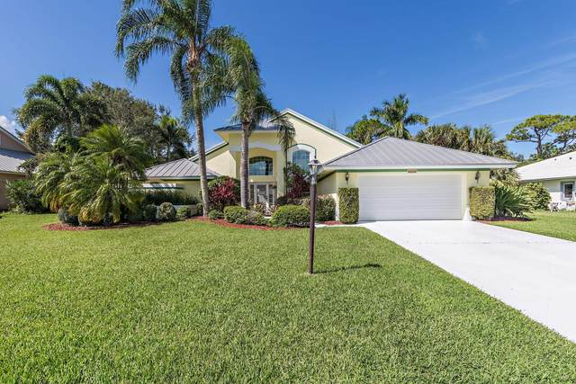 8350 SE Woodcrest Place, Hobe Sound, FL 33455 (#RX-10750545) :: Baron Real Estate