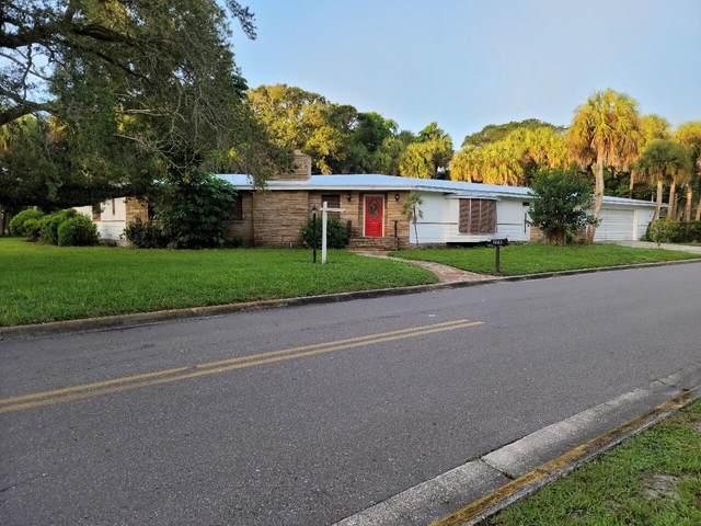 1001 S 11th Street, Fort Pierce, FL 34950 (#RX-10750636) :: Michael Kaufman Real Estate