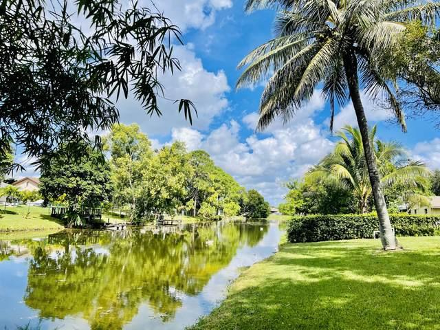 126 Martin Circle, Royal Palm Beach, FL 33411 (MLS #RX-10750702) :: Castelli Real Estate Services