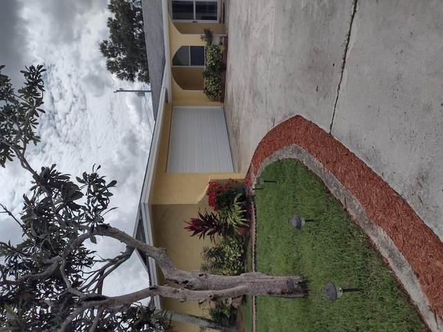 558 SE Floresta Drive, Port Saint Lucie, FL 34983 (MLS #RX-10751146) :: Castelli Real Estate Services