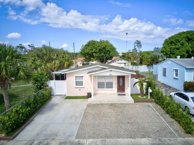 951 W Lakewood Road, West Palm Beach, FL 33405 (MLS #RX-10751311) :: Castelli Real Estate Services