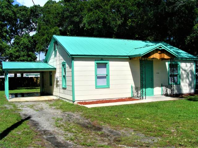 1708 South Avenue, Fort Pierce, FL 34950 (#RX-10751537) :: The Reynolds Team   Compass