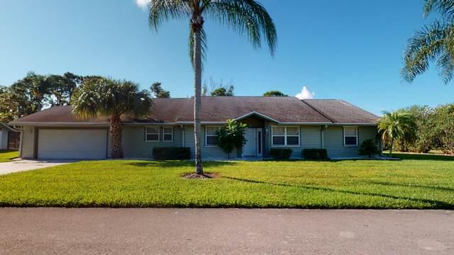 814 NE Dahoon Terrace, Jensen Beach, FL 34957 (#RX-10752015) :: Baron Real Estate