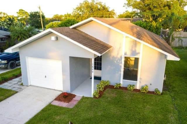 1640 21st Avenue SW, Vero Beach, FL 32962 (MLS #RX-10752396) :: Castelli Real Estate Services
