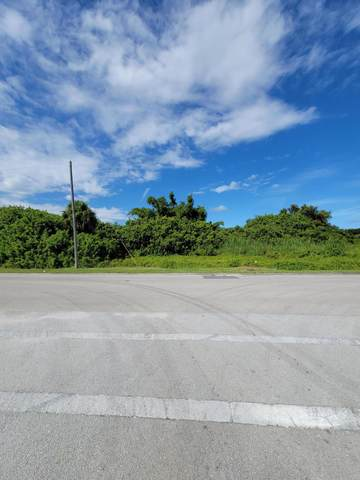 000 Avenue Q, Fort Pierce, FL 34950 (#RX-10752456) :: The Reynolds Team | Compass