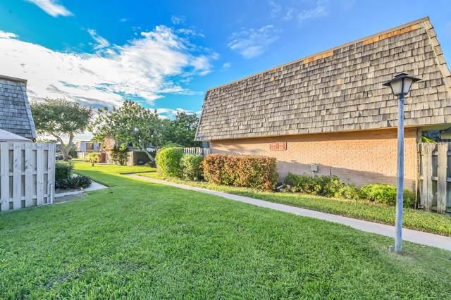 101 Lake Arbor Drive, Palm Springs, FL 33461 (MLS #RX-10752461) :: Berkshire Hathaway HomeServices EWM Realty