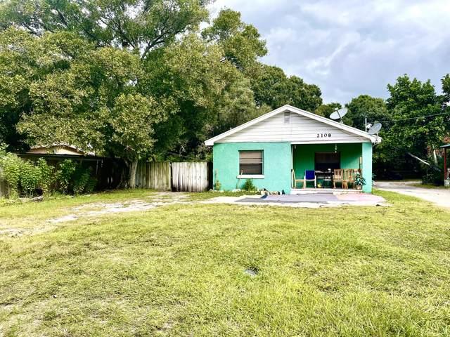 2108 Florida Ave, Fort Pierce, FL 34950 (#RX-10752533) :: The Reynolds Team | Compass