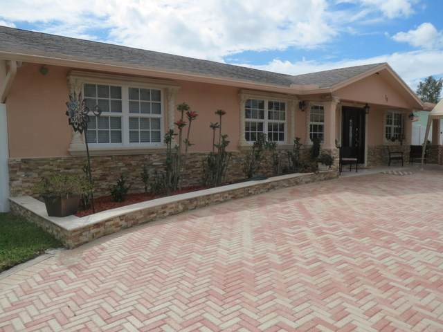 19 W Mango Road, Lake Worth, FL 33467 (#RX-10752675) :: Heather Towe | Keller Williams Jupiter
