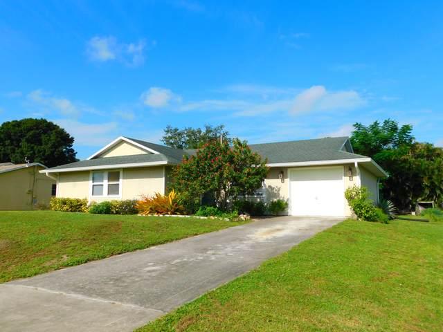 454 SE Cork Road, Port Saint Lucie, FL 34984 (#RX-10752687) :: The Reynolds Team | Compass