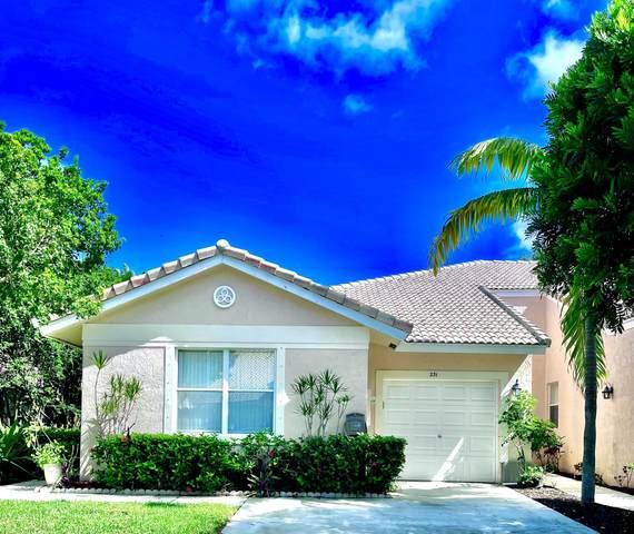 231 E Coral Trace Circle, Delray Beach, FL 33445 (#RX-10752757) :: Ryan Jennings Group