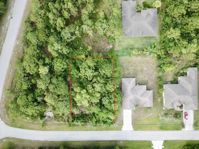 5233 NW Lovoy Circle, Port Saint Lucie, FL 34986 (#RX-10752857) :: The Reynolds Team   Compass