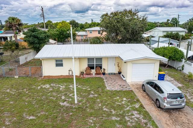 2874 NE Hickory Ridge Avenue, Jensen Beach, FL 34957 (#RX-10752871) :: Baron Real Estate