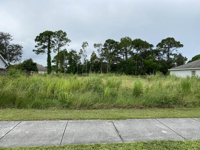 1762 SW Airoso Boulevard, Port Saint Lucie, FL 34953 (#RX-10753517) :: The Rizzuto Woodman Team