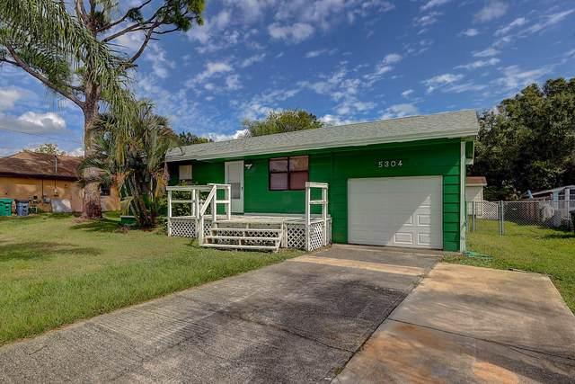 5304 Palm Drive, Fort Pierce, FL 34982 (#RX-10753533) :: The Rizzuto Woodman Team