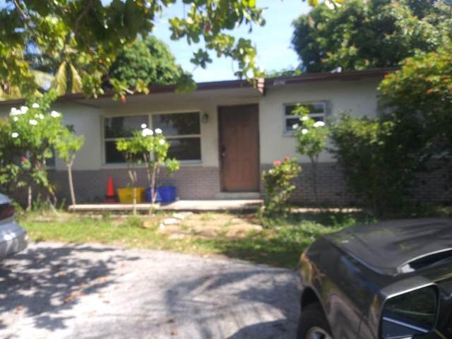 2760 N Seacrest Boulevard, Boynton Beach, FL 33435 (#RX-10753587) :: The Rizzuto Woodman Team